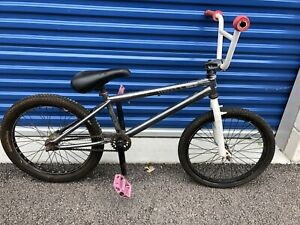 Haro BMX bike (model 200.3) Grey White