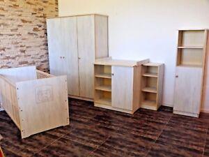 Babyzimmer Komplett Set Babybett UMBAUBAR Schrank Regale Wickelkommode weiß rosa