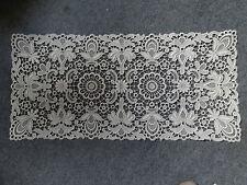 Stickerei Decke 40x80 cm rechteckig Plauener Spitze