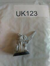 UK123 Warhammer 40k OOP metal Space Marine Adeptus Astartes veteran w/ sword