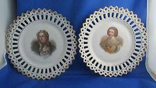 2 ancienne assiette decorative  porcelaine ajourée personnage historique medicis