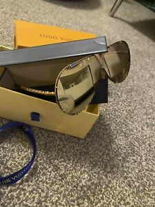Louis Vuitton LV Drive Sunglasses Gold