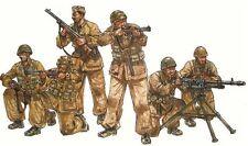 Italeri 1/35 Italian Paratroopers Combat Group Figures (6) Model Kit 6492