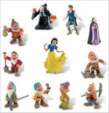 Figurines en dessin animé avec blanche neige