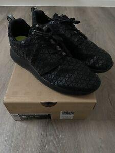 Nike Roshe Run Metric QS Size UK 9.5 Brand New With Box