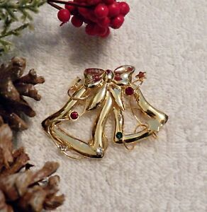 CLASSIC CHRISTMAS PIN BROOCH BELL RIBBON BOW RED GREEN RHINESTONES GOLD TON X20A