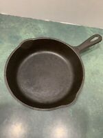 Vintage No 5 *Unmarked Wagner* Cast Iron Skillet **Cleaned/Not Seasoned**