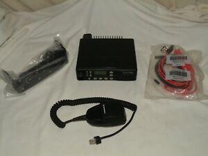 MOTOROLA GTX, M11WGD4CB1AN, 900 MHz Radio w/ Power Cable, Bracket & Microphone