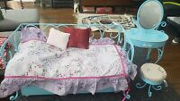 Pre-owned AMERICAN GIRL TRUNDLE BED and vanity set