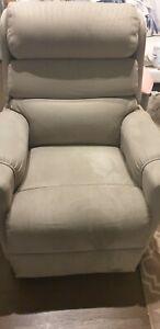 Topform Ashley Omega lift recliner chair