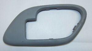 1999 Chevy C3500HD GMC 6.5L RWD Right Front Door Handle Trim 15708078