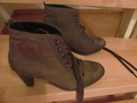 Paul Green Nubuk Stiefelette Stiefel 38 5 Schuhe grau  braun Leder