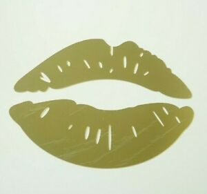 Gold Mirrored Lips Wall Décor