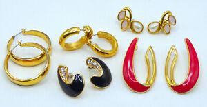 🎆  Vintage Signed Trifari Gold Tone Enamel Rhinestone Pierced Earrings
