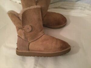 UGG Australia 1016226 Womens Bailey Button BOOTS II Size 7