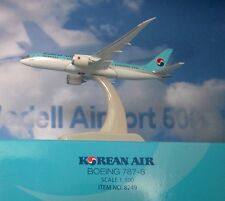 Hogan Wings 1:500 Boeing 787-8  Korean Air LI8249  + Herpa Wings Katalog