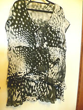 Taking Shape TS-14+ ~Size 18/20? M/L? ~ Black & White multi layer Front Tunic