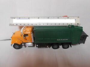 Mack Granite Garbage Truck Toy Replica    1/50 scale  O Gauge