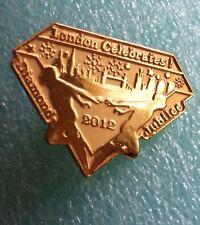 London Diamond Jubilee Commemorative Pin Tie Tack 2012 Souvenir Gold Metal