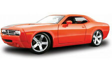 Maisto 2006 Dodge Challenger Concept 1:18 Diecast Model Car Red Orange