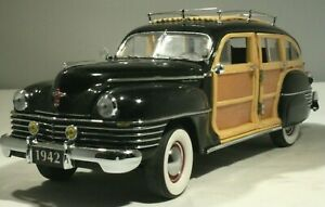 1942 Chrysler Town & Country Station Wagon  1:24 Danbury Mint with Papers