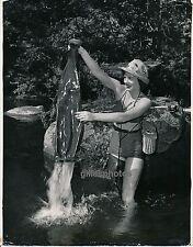 USA c. 1950 - Pêcheuse Jeune Femme Sexy Cuissardes - USA 60