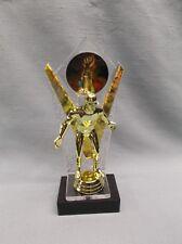 WRESTLE trophy black  base gold winner backdrop