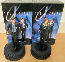 X Files Fight the Future Mulder & Scully Sculptures Duchovny Anderson