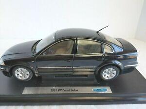 Welly 2001 VW Passat Sedan 1:24 Diecast Car Mounted on Base Black   #14363