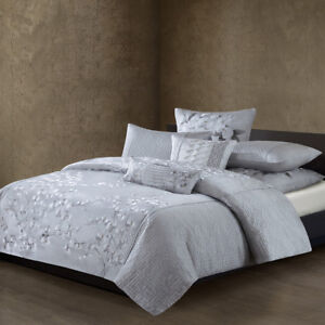 Natori White Orchid Silk/Cotton Quilted Embroidery Duvet Cover NA12-2985
