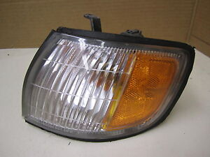 INFINITI I30 I 30 98 99 1998 1999 CORNER LIGHT DRIVER  LH LEFT OEM