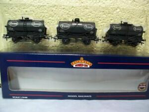 14t Tank Wagon 'ESSO' Weathered Set Of 3 Bachmann No 37-666A '00' Boxed/Unused