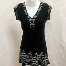 BCBG Max Azria Sz M Tunic Top Black Embroidered Geometric Tribal Cap Sleeves