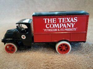 "ERTL 1925 Mack ""The Texas Company"" Texaco Bank w/ Keyed Lock Die Cast Metal 1/25"