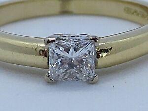 STUNNING PRINCESS CUT VVS/H DIAMOND IN 18K YELLOW GOLD SIZE K1/2