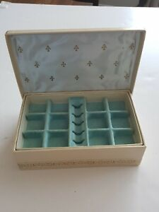 Vintage Tan Men/'s Jewelry Box with Beige Satin Interior Simple Leatherette Jewelry Box