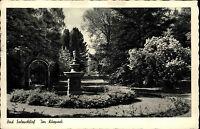 Bad Salzschlirf alte Ansichtskarte 1954 gelaufen Partie im Kurpark Springbrunnen