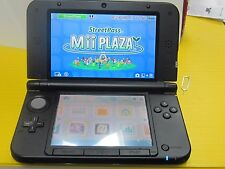 Nintendo New 3DS XL Launch Edition 1GB Black Handheld System +4 gb card great
