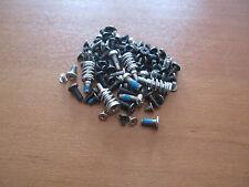 Schrauben aus Medion MD 96420