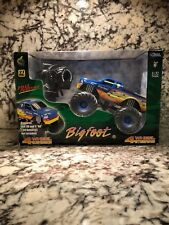 Muscle Machines Monster Truck 1/32 Scale Ford Bigfoot Remote Radio Control Rc