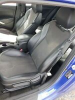 2012 Hyundai Veloster seats Black Leather with Gray vertex cloth!