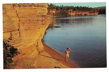 FOOTPRINTS IN THE SAND Beautiful MAIDEN Shores WISCONSIN River DELLS Postcard WI