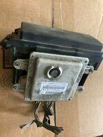 Body Control Module BCU BCM 2004 Dodge Durango P56049101AJ Junction Box