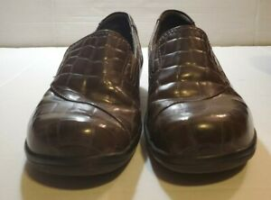 Clarks Womans Slip on shoe, Brown crocodile pattern with 1 in heal for support