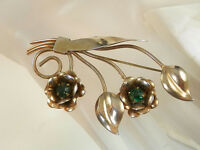 Vintage 1940s Art Deco Green Rhinestone Mellow Gold Tone Flower Brooch 67N4