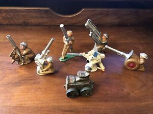 Group of 7 - BARCLAY / MANOIL / SOLDIERS  With Big Guns And USA TRACTOR