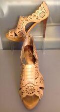 Women's 10 Carlos Santana Heels