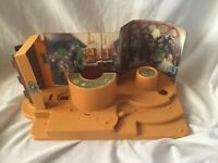 Vintage 1979 Kenner Star Wars Creature Cantina Action Play Set with old box
