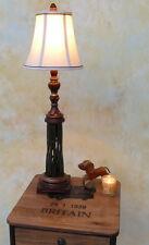 Runde Tischleuchten rustikaler Keramikfuß mit Stofflampenschirm im Landhausstil