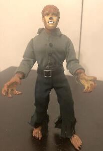 Diamond Select Universal Studios Classic Monsters The Wolfman Cloth Figure